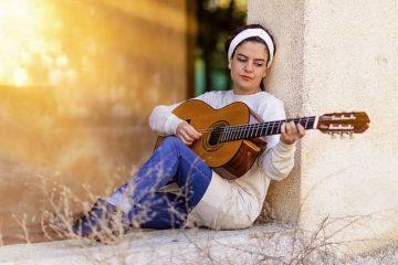 Aprender a tocar la guitarra española