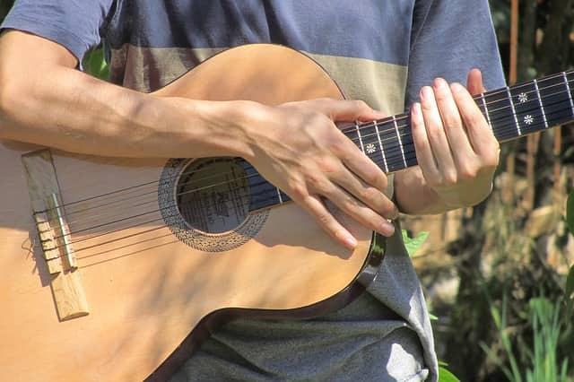 Asesórate con un profesor de guitarra